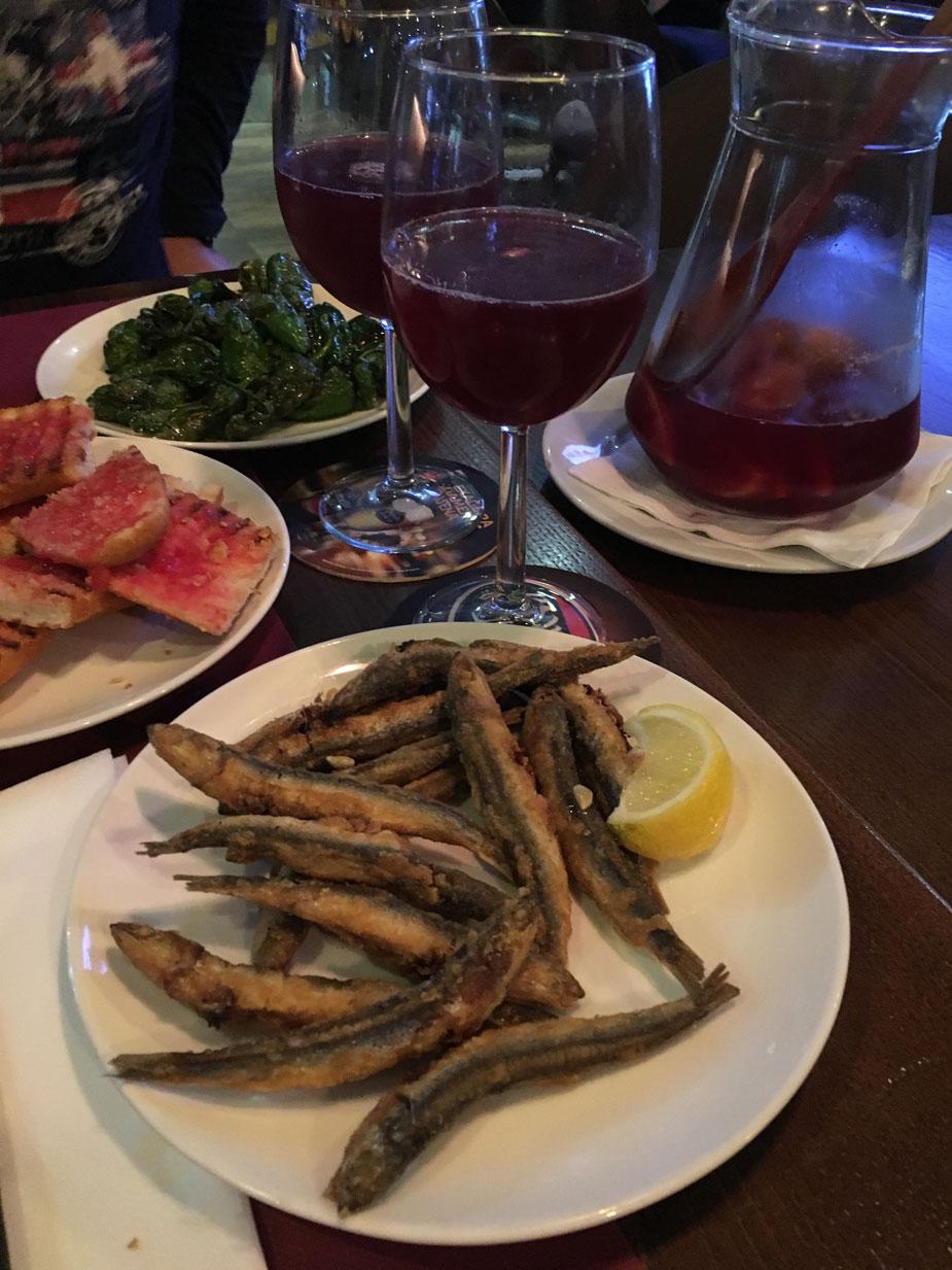Tapas und Sangria - für mich immer typisch Spanien