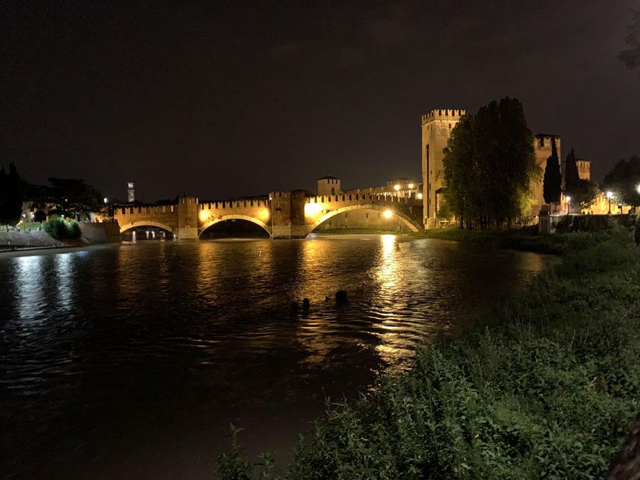 Castelvecchio bei Nacht - unglaublich schön